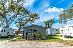 Plantation Oaks RV Park